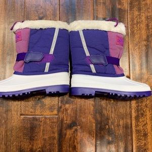 Outdoor Rugged Winter Boots Youth Size 4